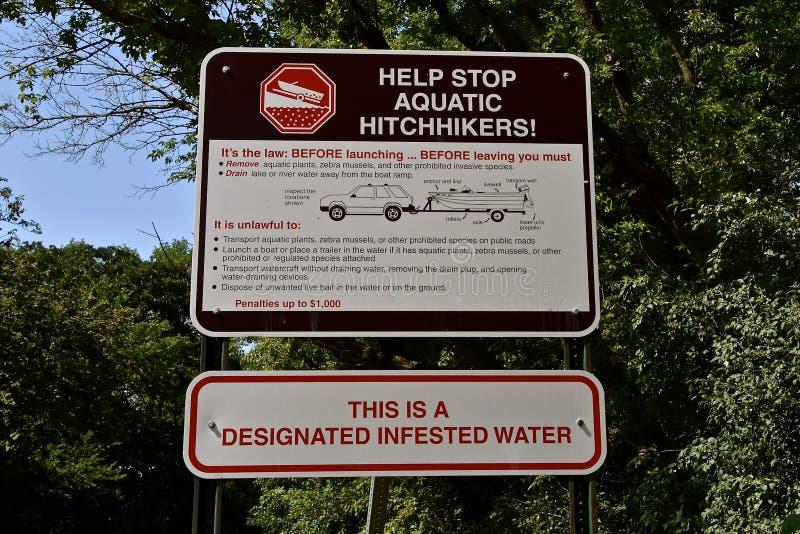 Znak ostrzegawczy o wodnym infestation obraz stock