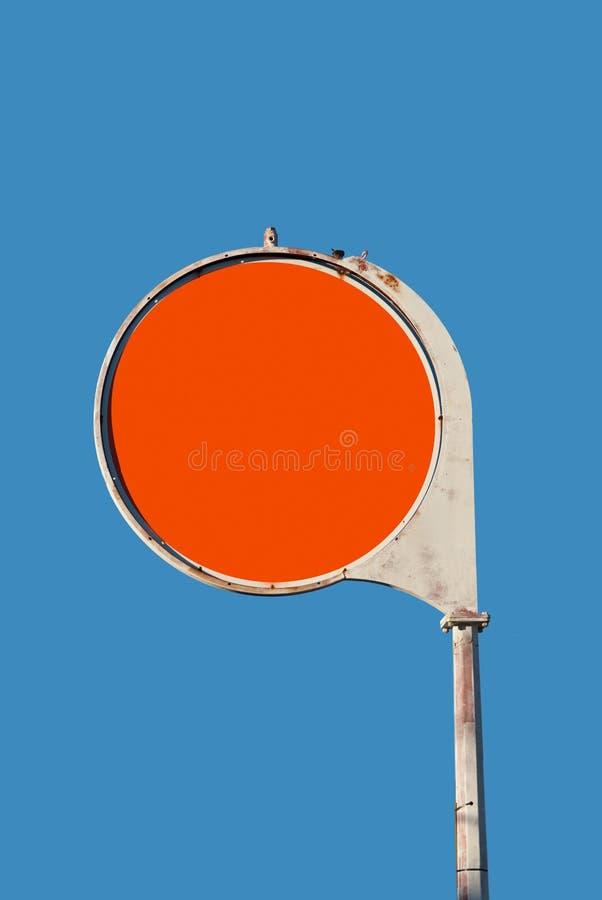 znak pusta benzynowa stara retro stacja obraz stock