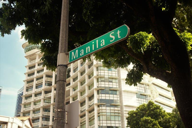 Znak Uliczny Manila ulica przy Bugis, Singapur obrazy stock