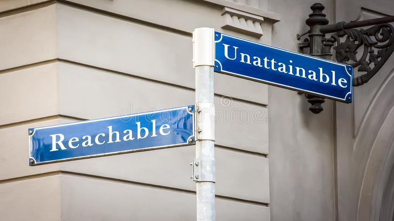 Znak Uliczny Reachable versus Niedosi?g?y royalty ilustracja