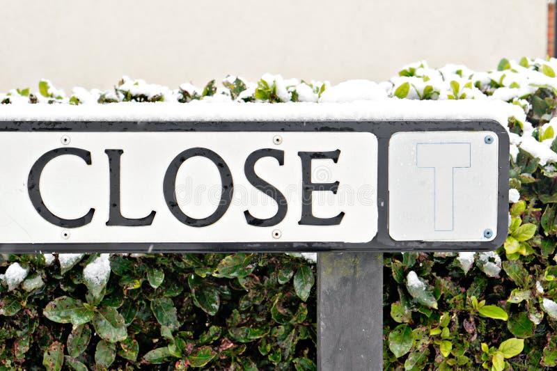 Znak uliczny z śniegiem obrazy stock