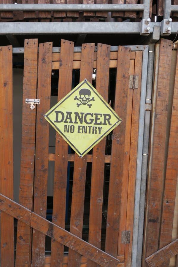 znak zagrożenia zdjęcie royalty free