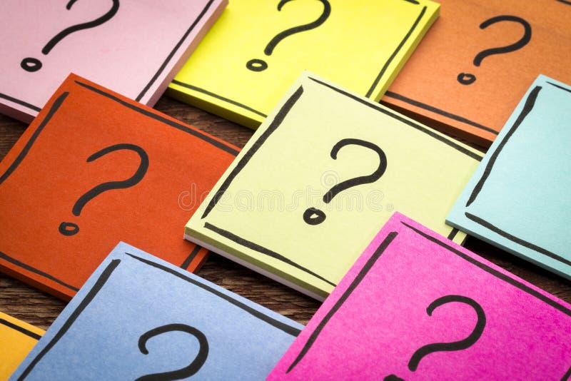 Znaka zapytania abstrakt - kleisty notatka set zdjęcie stock