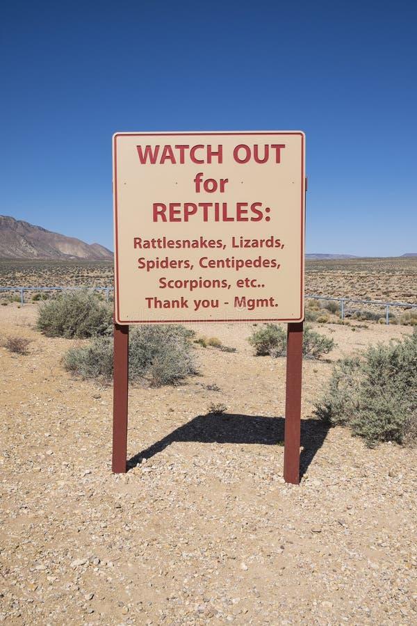 Znaki Ostrzegawczy dla Niebezpiecznej przyrody fotografia stock