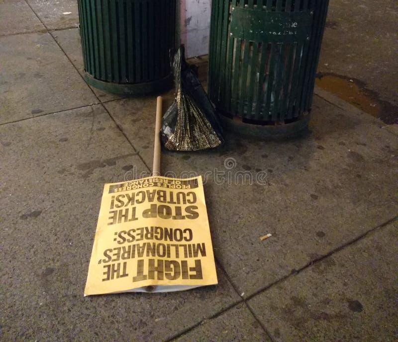 Znaki protest, atutu wiec, NYC, NY, usa obraz stock