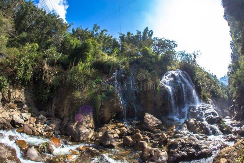 Znany wodospad turystyczny w Cat Village w Sapa Vietnam Indochina Asia zdjęcia stock