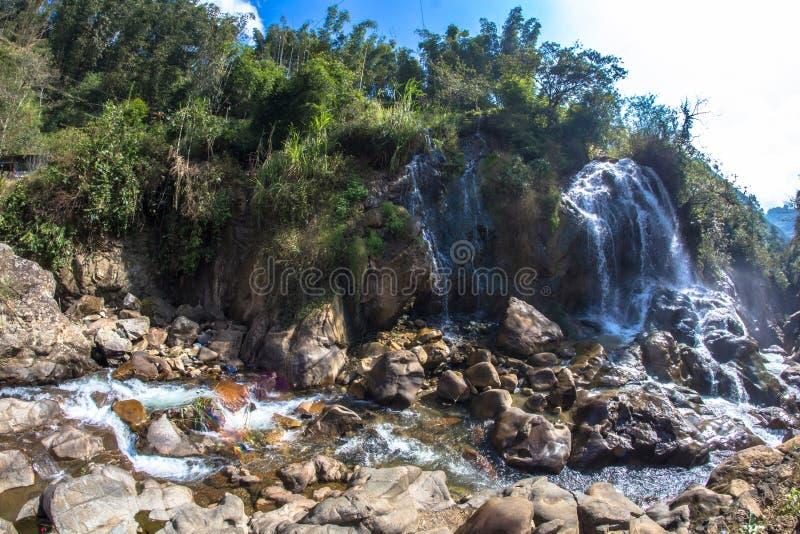 Znany wodospad turystyczny w Cat Village w Sapa Vietnam Indochina Asia obraz royalty free