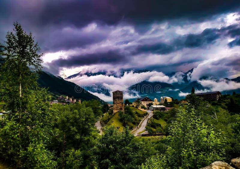 Zniewalać chmury fotografia royalty free
