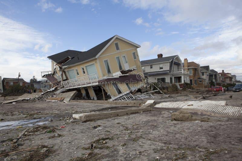 Zniszczeni domy w Dalekim Rockaway po Hur zdjęcie stock