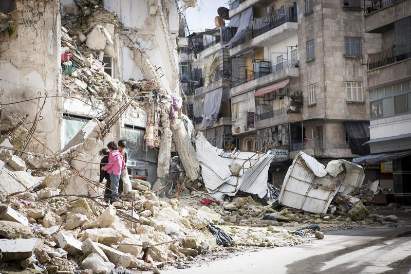 Zniszczony buduje Aleppo. zdjęcie stock