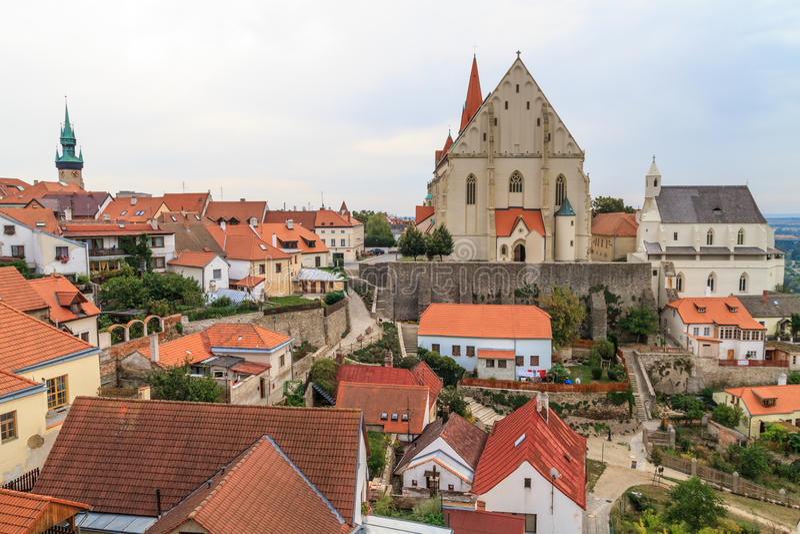 Znojmo, República Checa - igreja de São Nicolau e St. Wencesla fotos de stock