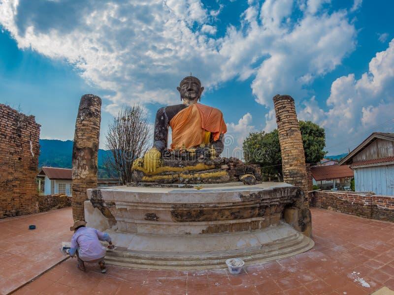 Znosi Buddha przy Watem Phia Wat Xieng Khuang, Laos fotografia royalty free