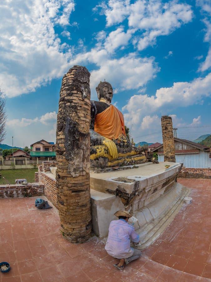 Znosi Buddha przy Watem Phia Wat Xieng Khuang, Laos zdjęcia royalty free