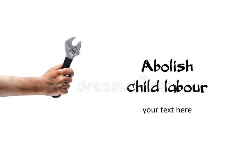 Znosi pracę dzieci! Brudzi dziecko rękę z wyrwaniem fotografia royalty free