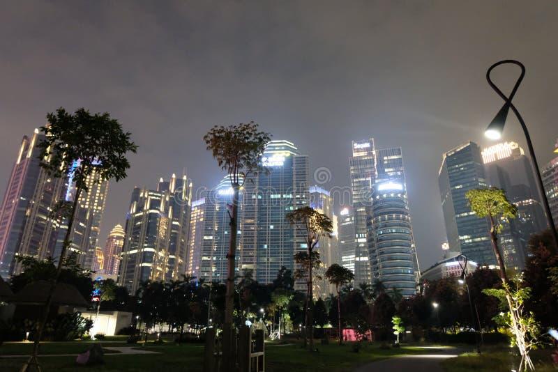 Zo de nacht het leven die van Djakarta verbazen stock foto
