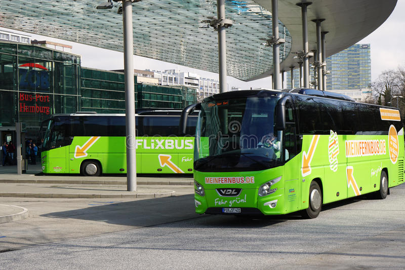 ZOB-de bus-Haven Hamburg is het centrale busstation voor interlokale reis over lange afstand royalty-vrije stock afbeeldingen