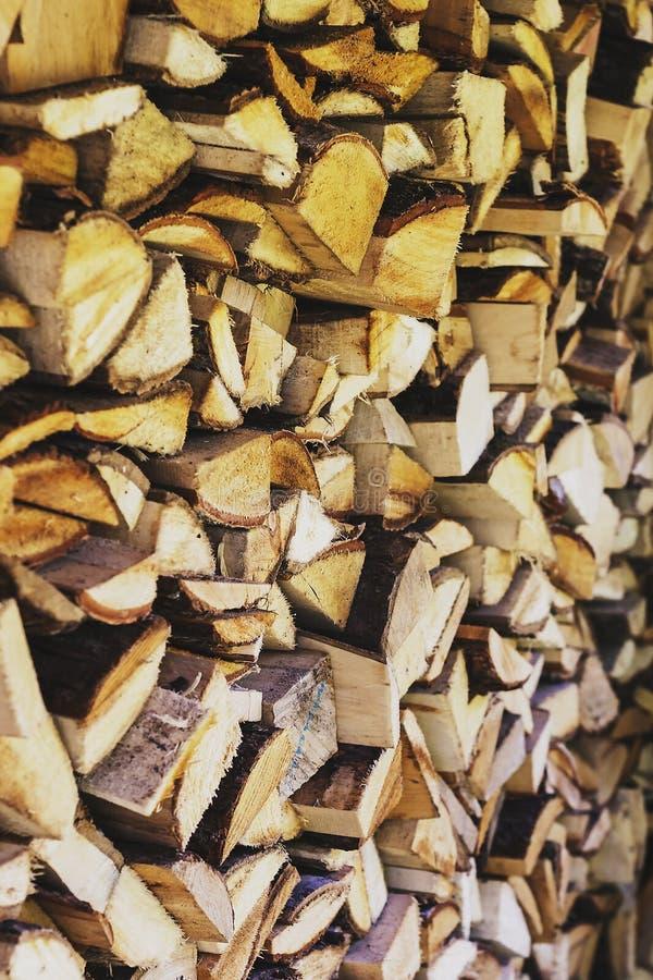 Zodra een stapel van gehakt hout royalty-vrije stock afbeelding