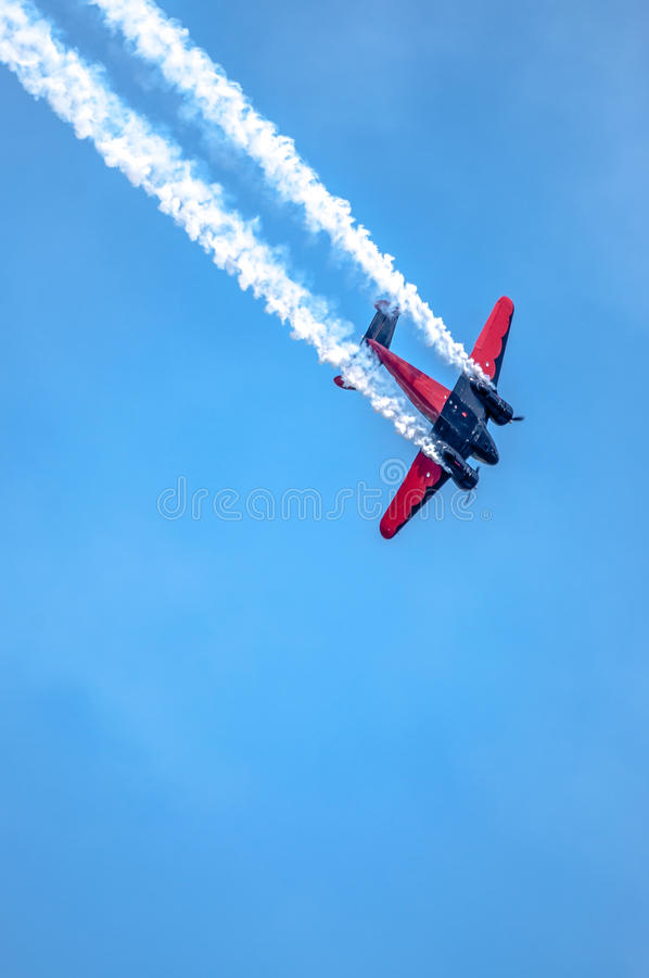Zodra Privé Vliegtuig, die trucs in lucht uitvoeren royalty-vrije stock fotografie