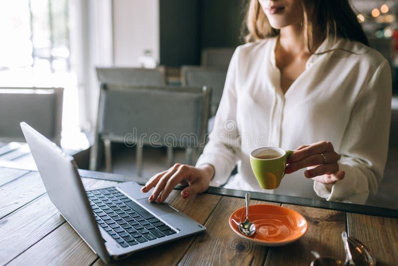 Zoek naar informatie over Internet stock foto's