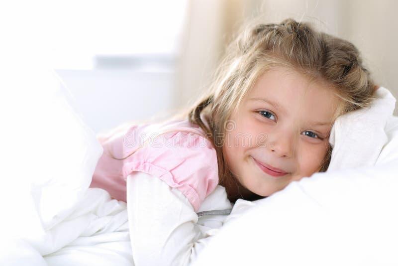 Zoet dromen en goedemorgenconcept royalty-vrije stock foto's