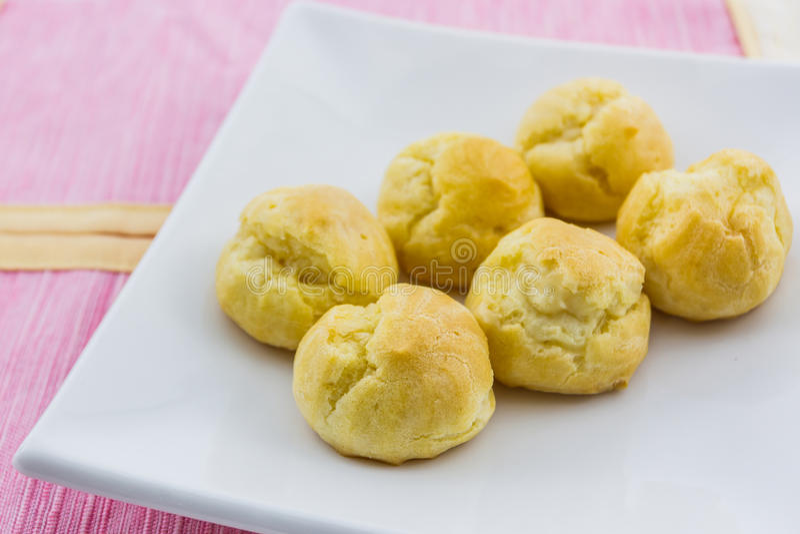 Zoet Vers Mini Cream Puffs, Profiterole, Choux, Eclair, dessert royalty-vrije stock foto