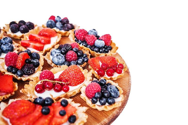 Zoete cakes met bessen royalty-vrije stock foto