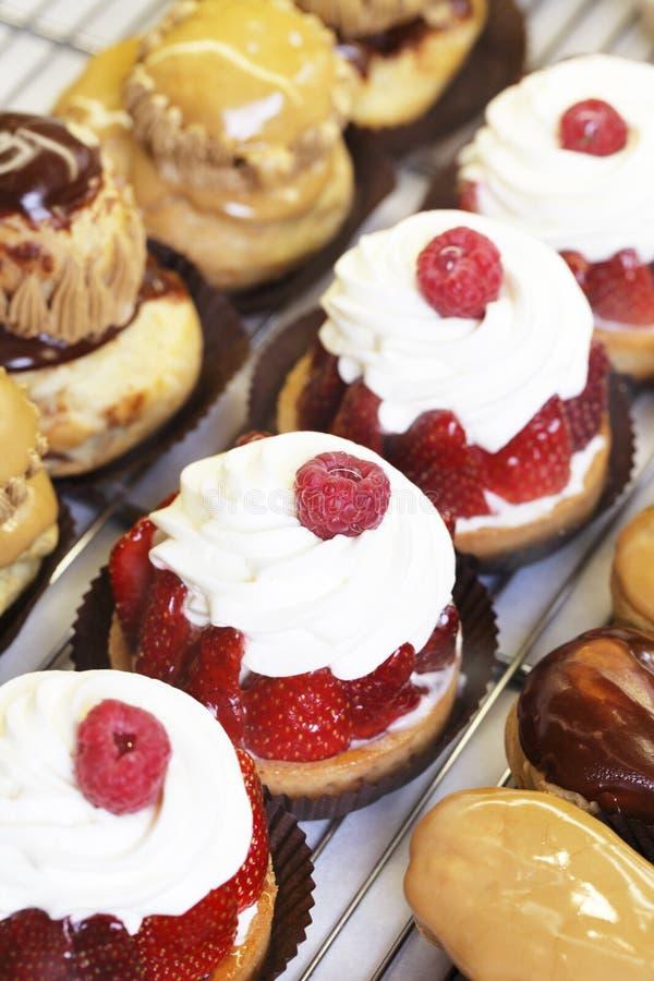 Zoete Franse gebakjes stock afbeelding