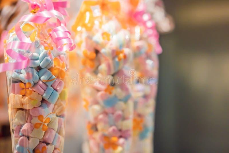 Zoete luchtige heemst in het pakket Suikergoed stock foto's