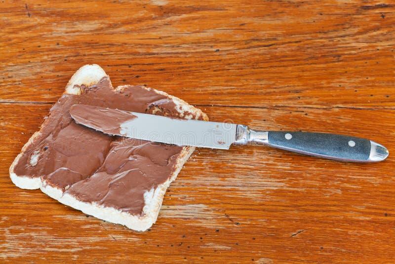 Zoete sandwich - toost met uitgespreide chocolade royalty-vrije stock fotografie