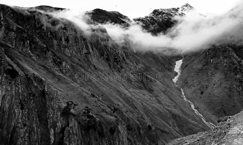 Zojilapas - hoogste Indische nationale weg stock fotografie