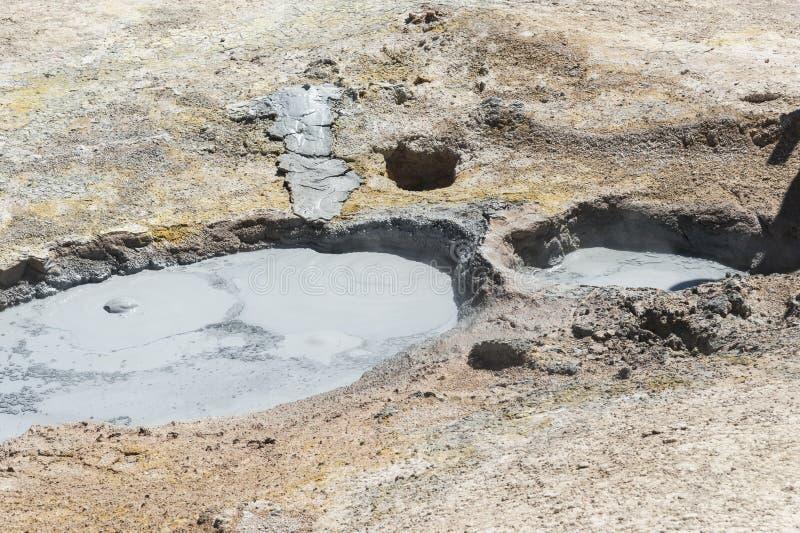 Zol De Manana, dekatyzować geotermiczny i gejzeru pole, Reserva Nacional De Fauna Andina Eduardo Abaroa, Boliwia obrazy royalty free