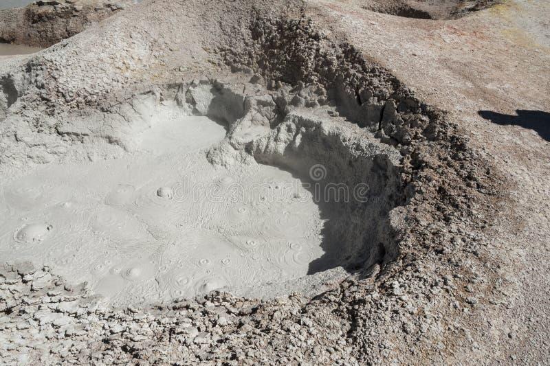 Zol De Manana, dekatyzować geotermiczny i gejzeru pole, Reserva Nacional De Fauna Andina Eduardo Abaroa, Boliwia zdjęcia stock