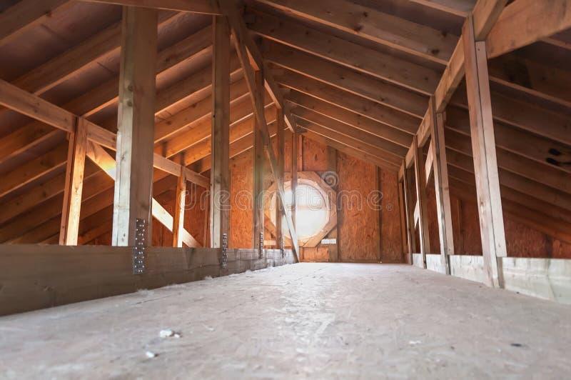 Zolder houten bouw stock foto's