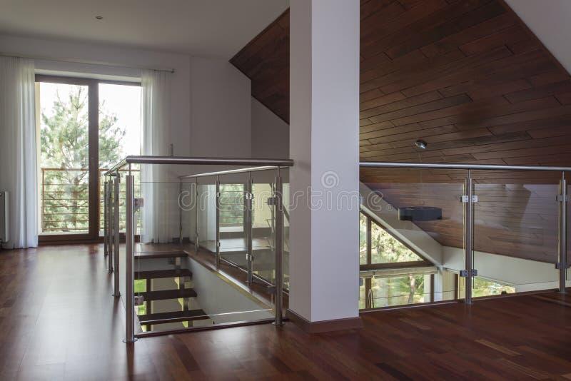 Zolder, modern huis royalty-vrije stock fotografie