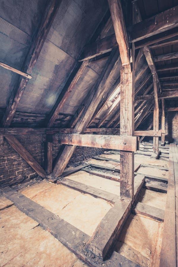 zolderzolder/dakbouw stock fotografie