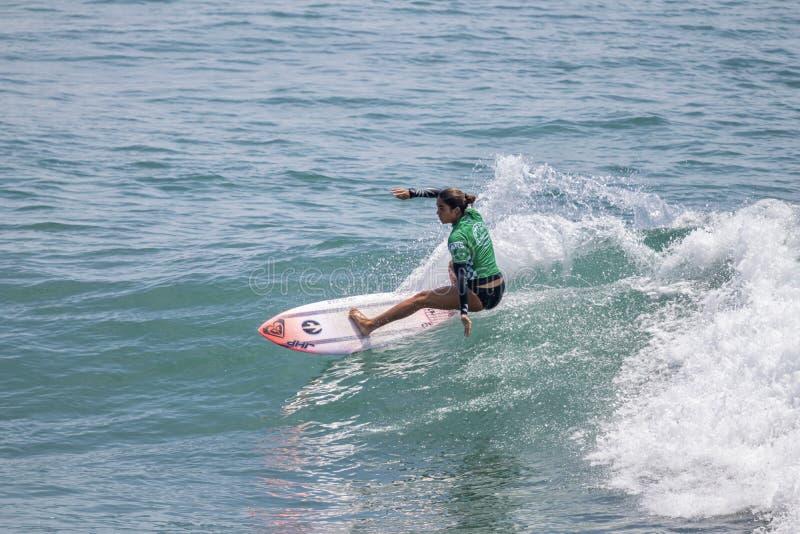 Zolu Aguirre surfing w samochodów dostawczych us open surfing 2019 zdjęcia royalty free