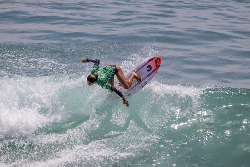 Zolu Aguirre surfing w samochodów dostawczych us open surfing 2019 obrazy royalty free