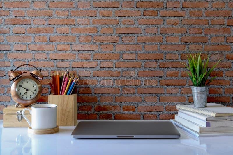 Zombaria acima do espaço do espaço de trabalho e da cópia imagem de stock royalty free