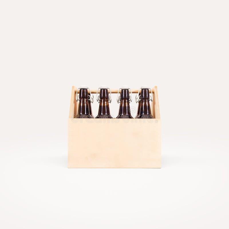 Zombaria da caixa de madeira da cerveja isolada acima fotografia de stock