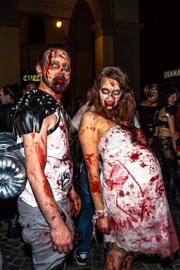 Zombie della donna incinta fotografia stock libera da diritti
