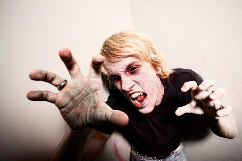 Zombie in een Hoek royalty-vrije stock fotografie