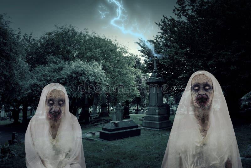 Zombie-Friedhofs-Geister mit Beleuchtung stock abbildung