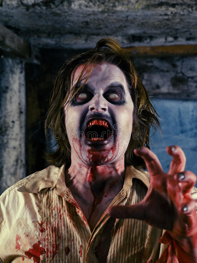 Zombie sanguinoso immagine stock