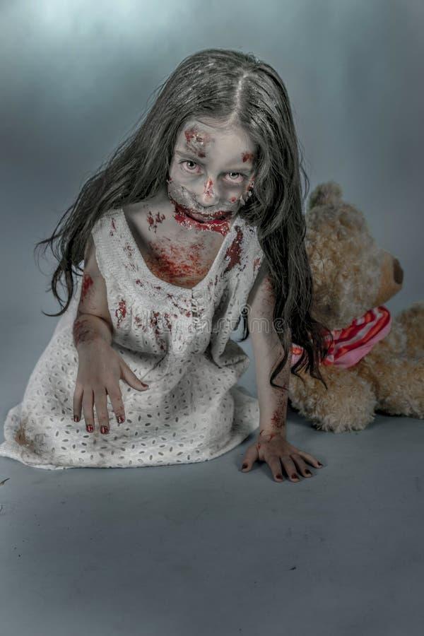 Zombiemeisje stock afbeelding
