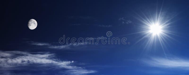 Zon en maan royalty-vrije stock foto