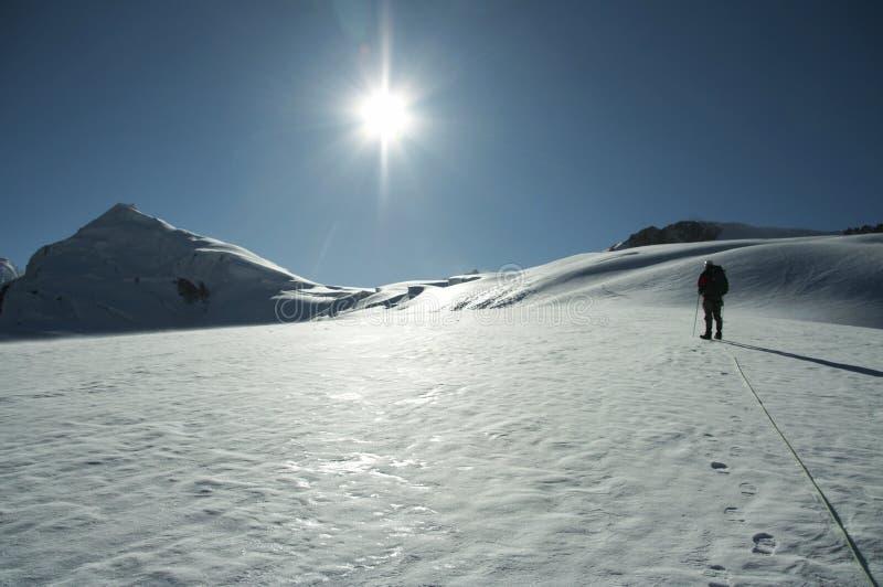 Zon op de hoge berg stock afbeelding