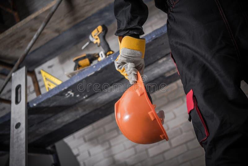 Zona da construção do capacete de segurança fotografia de stock royalty free