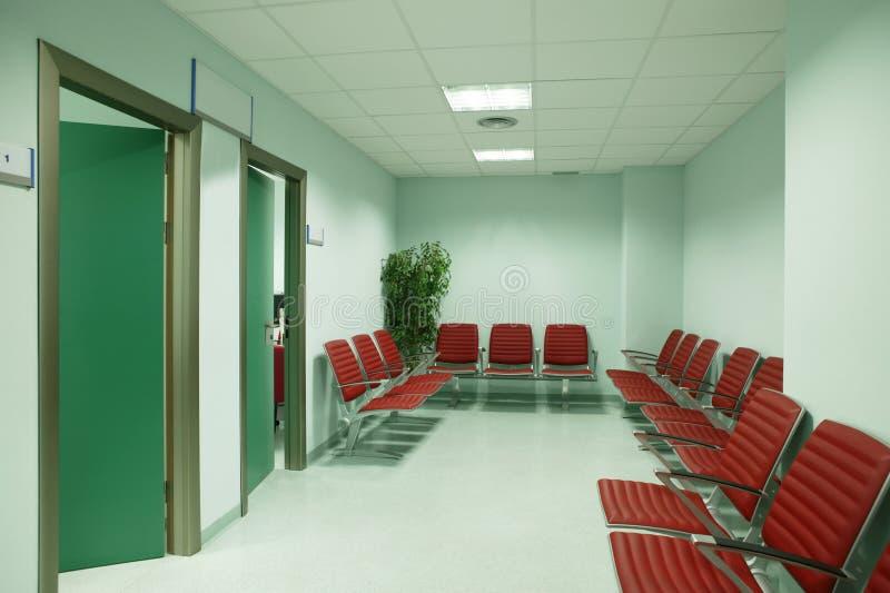 Zona de espera del edificio público E nadie fotografía de archivo libre de regalías