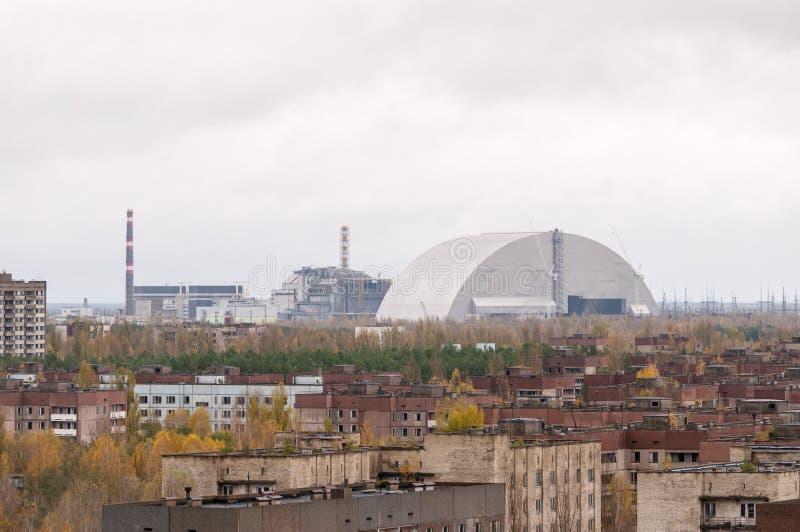 Zona de exclusión de Chernóbil Ciudad vacía, abandonada de Pripyat Opinión sobre unidad de generación de cuarto poder con el nuev imágenes de archivo libres de regalías