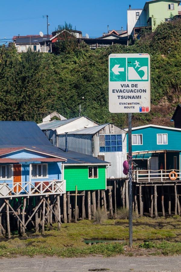 A zona do perigo do tsunami assina dentro a cidade de Castro, qui imagem de stock royalty free